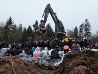 Blockade am Dannenröder Forst. Foto: Ende Gelände (Public Domain)