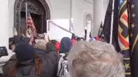 Sturm auf das Capitol in Washington. Screenshot: Stephen Ignoramus / Youtube