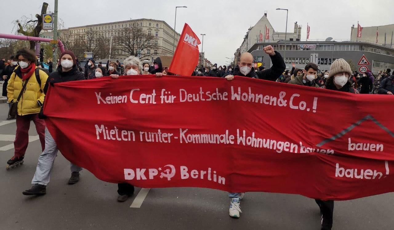 DKP auf der Demonstration gegen Aus für den Berliner Mietendeckel. Foto: DKP Berlin