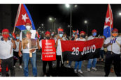 Hunderttausend Menschen demonstrieren für die Revolution