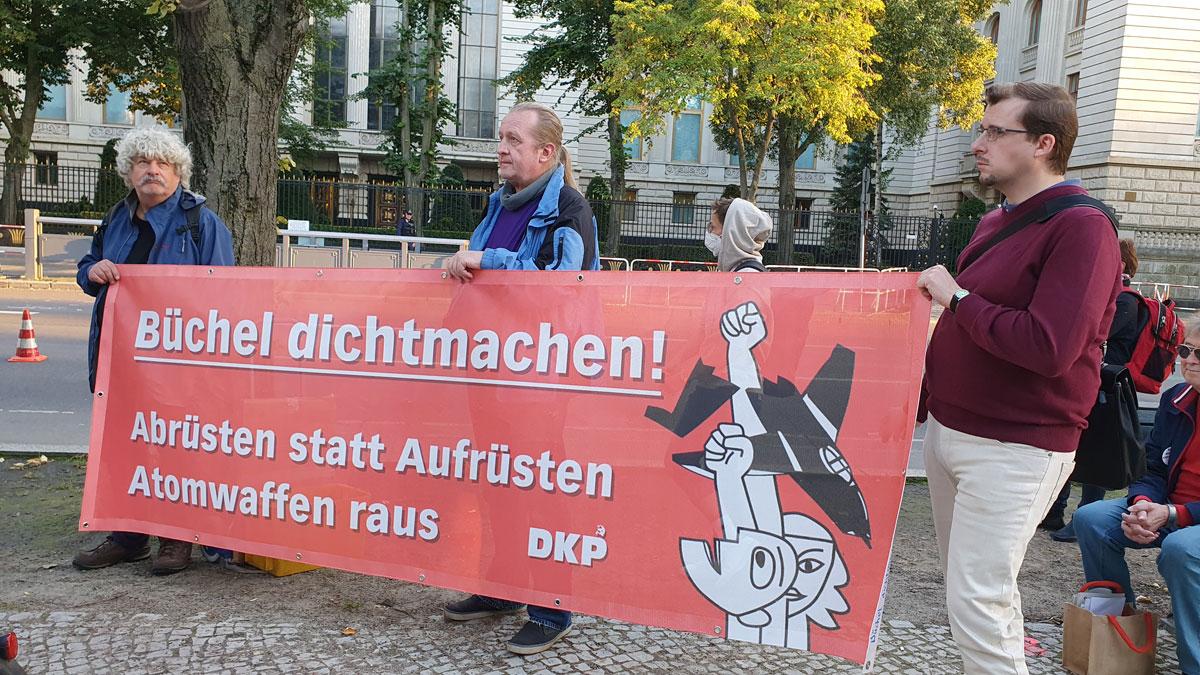DKP in der Menschenkette (Foto: privat)