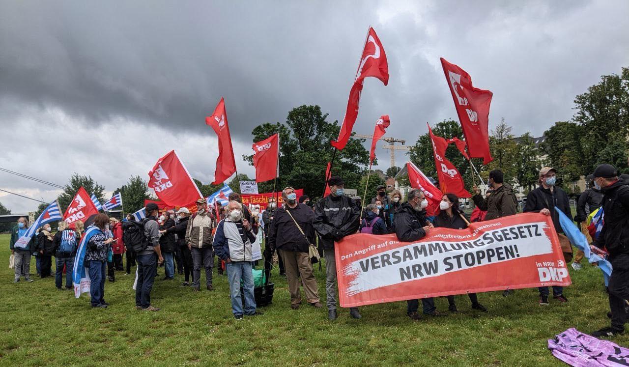 DKP auf der Demonstration (Foto: DKP Linker Niederrhein)