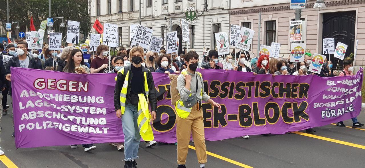 Antirassistischer Block bei der unteilbar-Demo in Berlin. Foto: RedGlobe